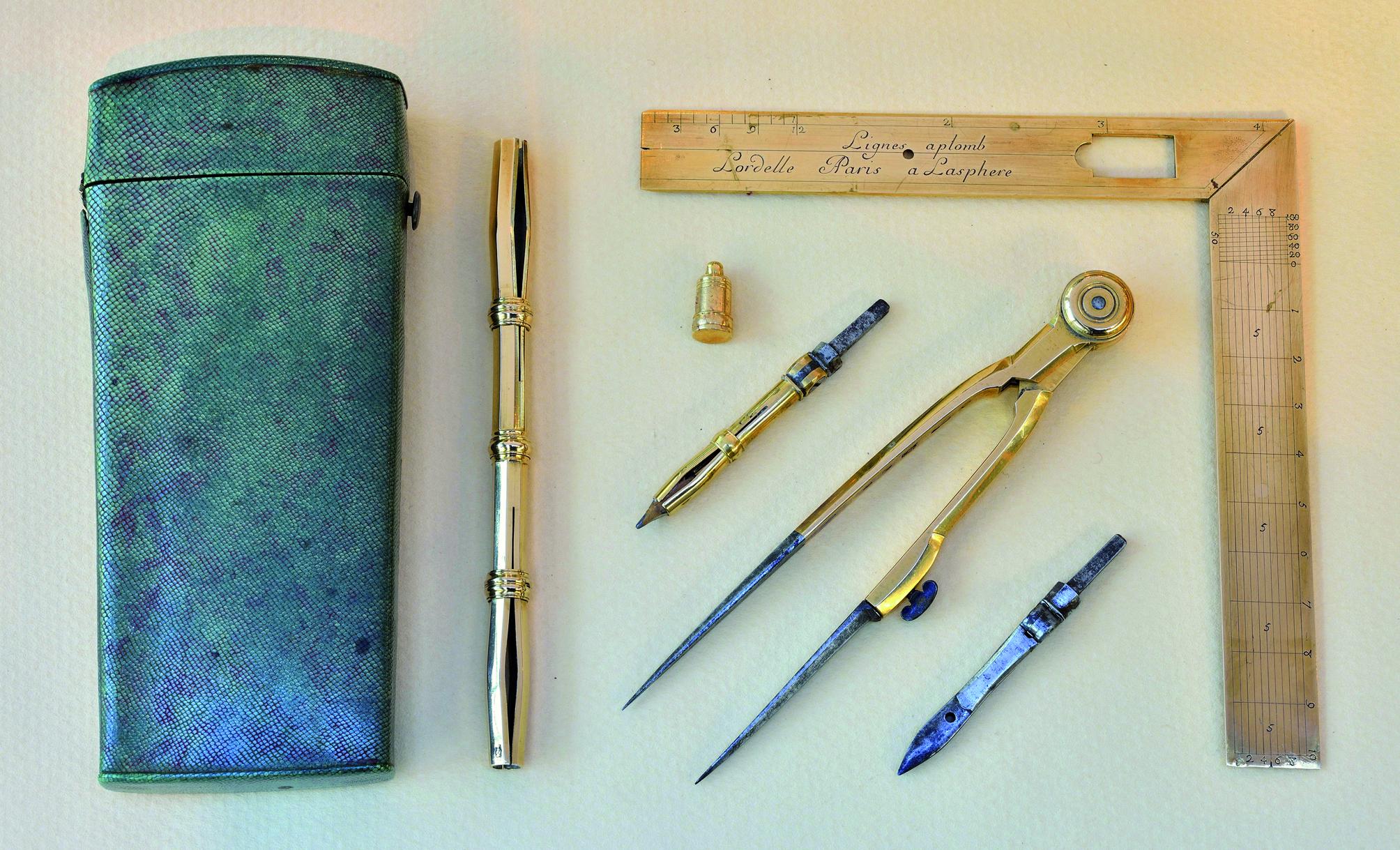 les dessins de crochet d'instrument datant tandis que séparé dans le Tennessee