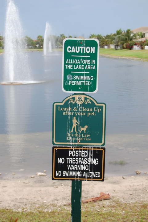 Figure 8. Restrictive signs at the lake in GC2