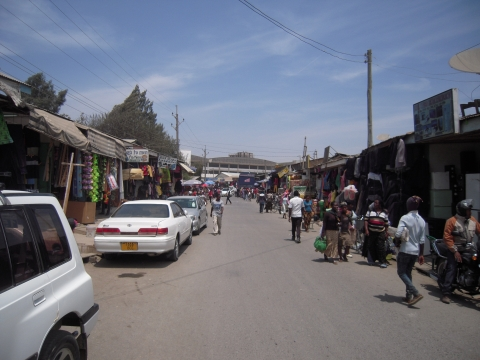 Figure 10. Mwanjelwa Market Street and the building site of the shopping mall in the background (Mbeya)