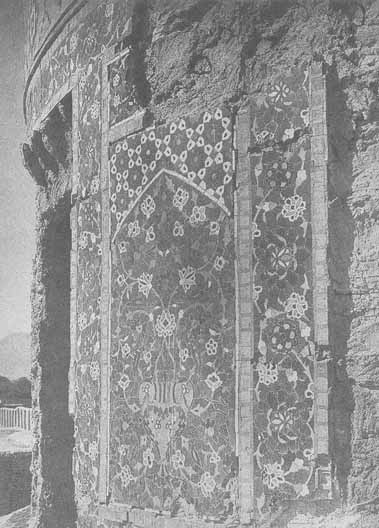 Fig. 9 – Mazar-i Sharif, tomb of Sharifa Soltan (early 17th century), detail of drum
