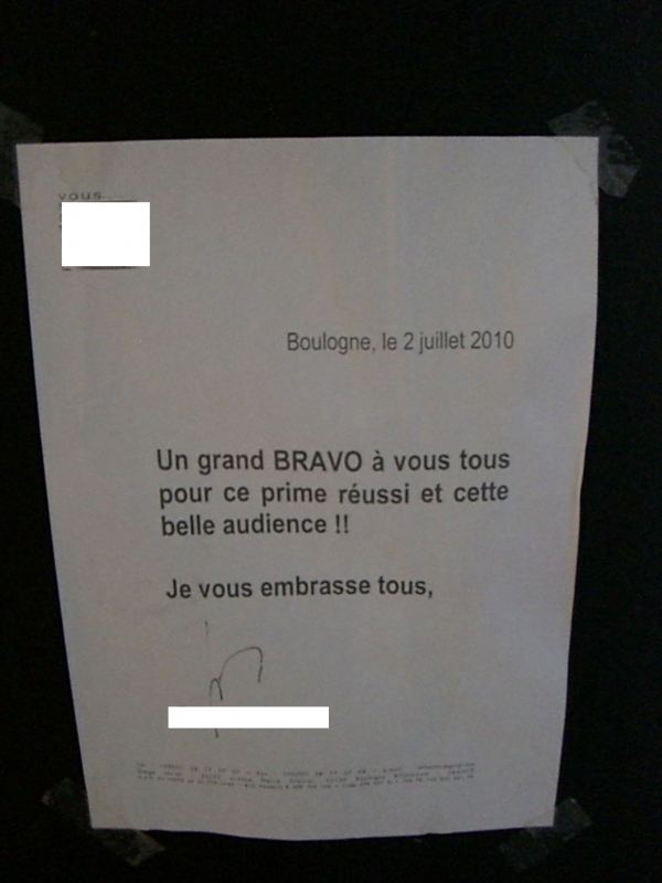 Fig. 2. A note from the producer after the show received good ratings, put up in the PBLV studio, august 2010