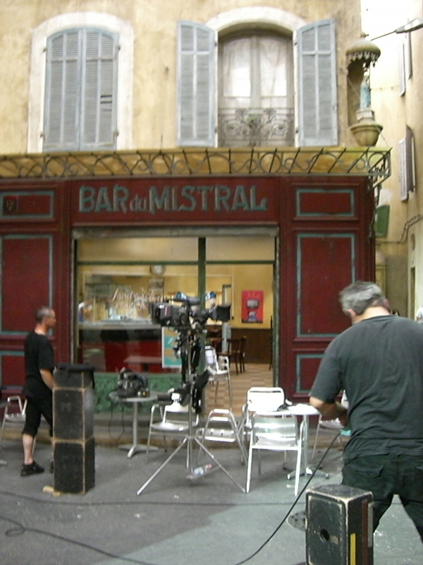 Fig. 4. The Mistral Bar, on the studio set, august 2010