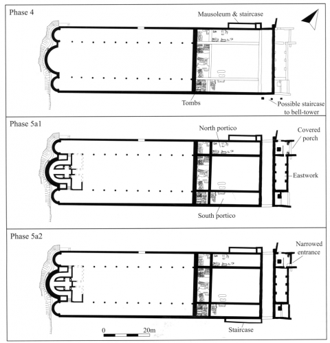 Fig. 19 – San Vincenzo al Volturno. L'église abbatiale et son « eastwork » pendant la première moitié du ixe siècle : proposition de phasage (à gauche) et restitution de la porterie, selon R. Hodges ; d'après R. Hodges, S. Leppard et J. Mitchell (dir.), San Vincenzo Maggiore and its Workshops, Rome/Londres, 2011, p. 122, fig. 4.27 et p. 112, fig. 4.19.