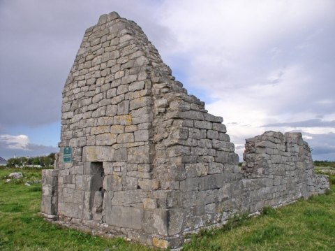 Fig. 6 – Pre-Romanesque church, Kiltiernan, Co. Galway. Probably eleventh or early twelfth century (Photo J. O'Sullivan).