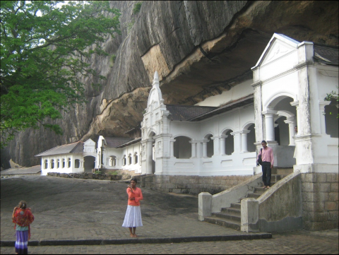 Fig.4 Temple d'or de Dambulla, Patrimoine Mondial, Sri Lanka.