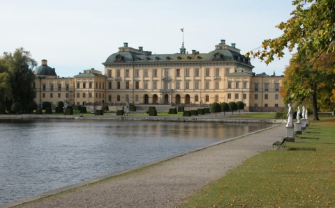 Fig. 2 Drottningholm Palace after the latest renovation. The vertical part between the upper and lower cornices on the roof is treated as a piece of the façade.
