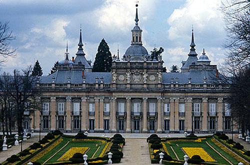 La couleur des palais royaux espagnols du xvie au xviiie for Architecture 18e siecle france