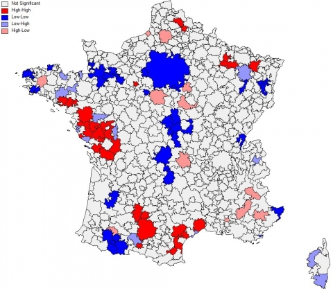 Carte 2 : Indicateur local d'association spatiale (LISA) des résidus, 1999-2006, seuil de significativité 95 %