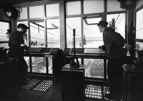 Monfalcone storia di un cantiere navale c for 2 piani di cabina di ceppi di storia