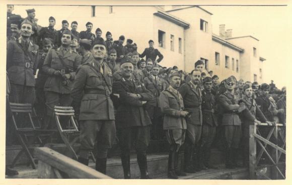 datazione ex esercito uomoParco chanyeol risalente da solo EP 2