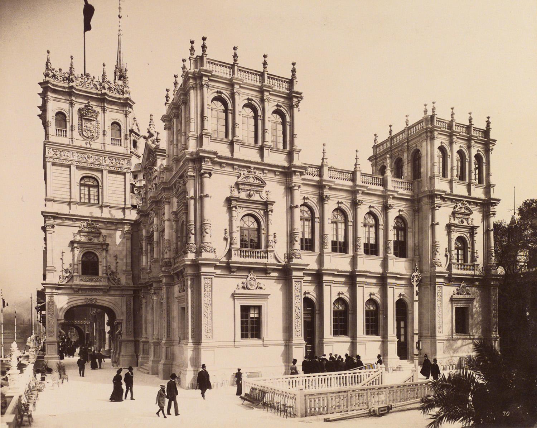 La Historiografía Francesa Y La Colección Real De Tapices De España
