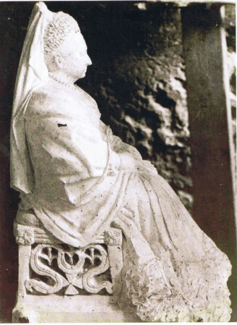 4. The Menton statue of Queen Victoria, now destroyed
