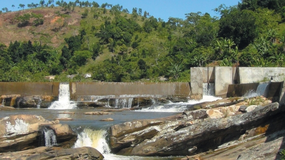 What coalitions of stakeholders to electrify Madagascar?
