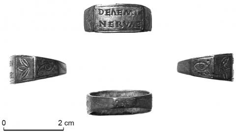 b3b822ac5d0 58 – Champ des Fougères à Mandeure   bague votive en argent portant la