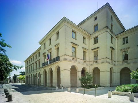 Les Hôtels De Région à Orléans Et à Limoges Les Palais En Pierre