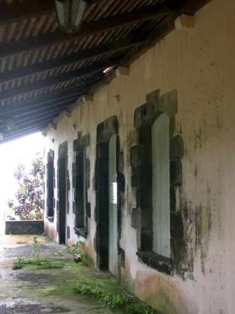 Maisons de ma tre et habitations coloniales dans les for Maison container en martinique
