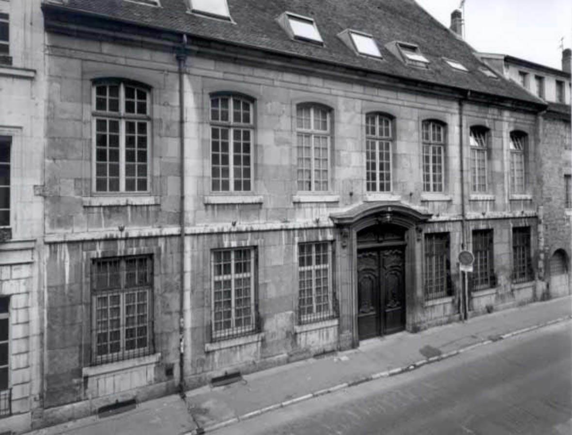 entre tradition et modernité : les hôtels à besançon de 1730 à 1750