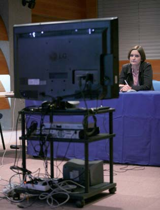 Esther Duflo, during the videoconference at the AUF, 13 January 2009.