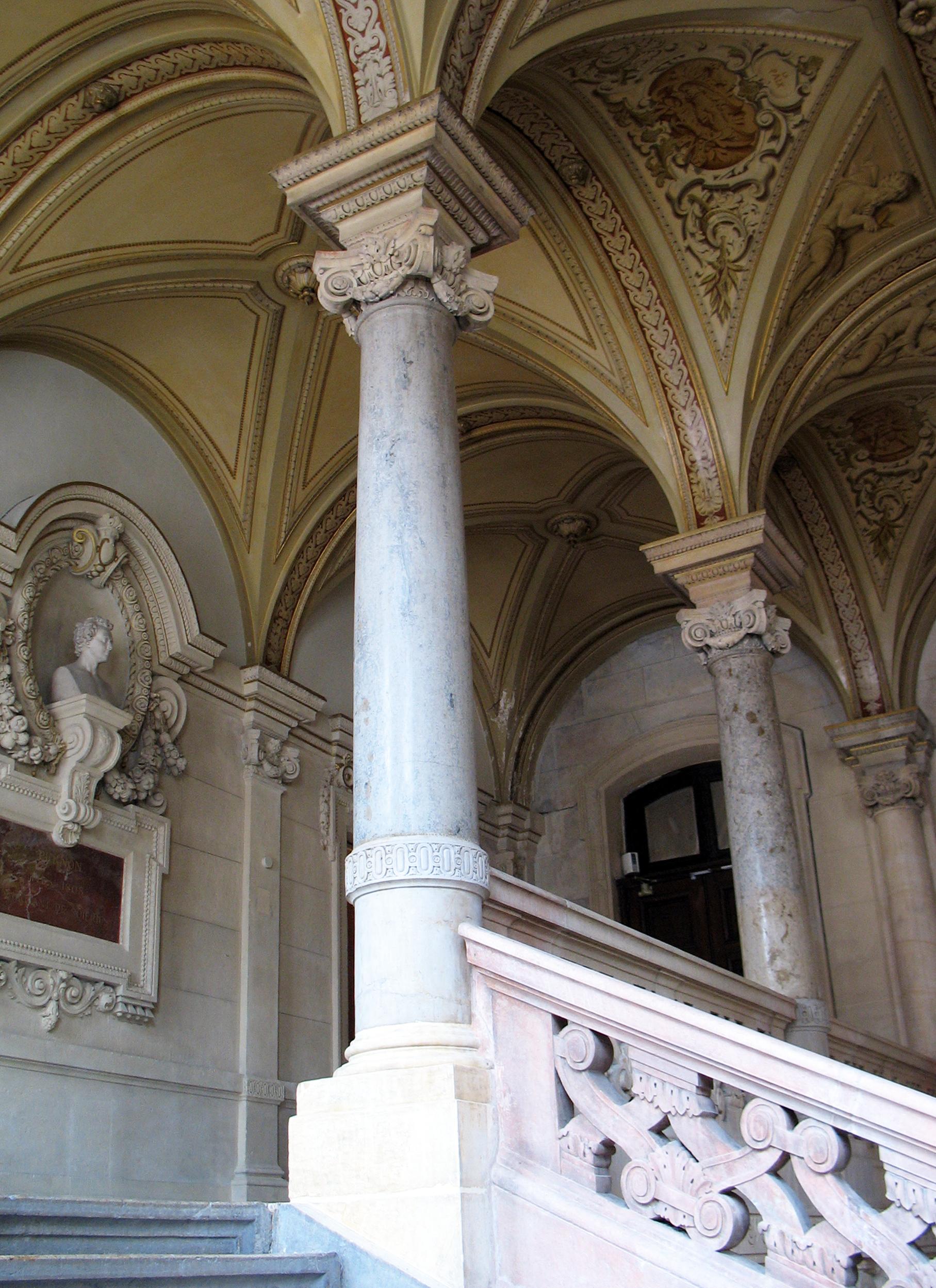 une renaissance de pierre entre rhône et saône : le palais du