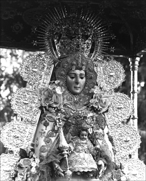 Fig. 1. — La Virgen del Rocío.