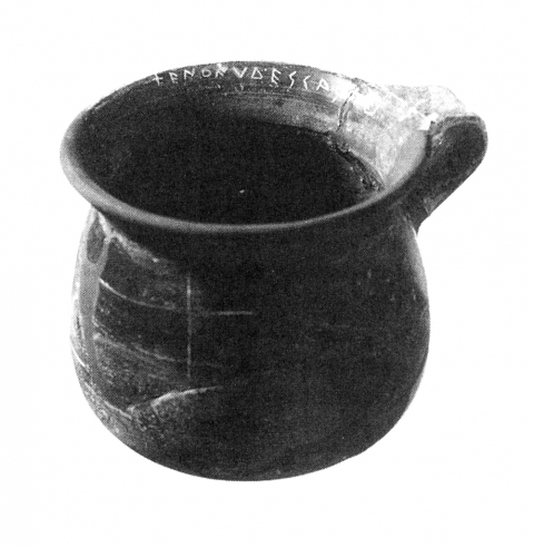 Fig. 10 - Graffito on a cup from sanctuary of Anios on Delos, sixth century. After Prost 2002, 327, fig. 9.