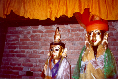 Fig. 2: Images of Min Mahagiri and his sister in their temple in Sameikkon