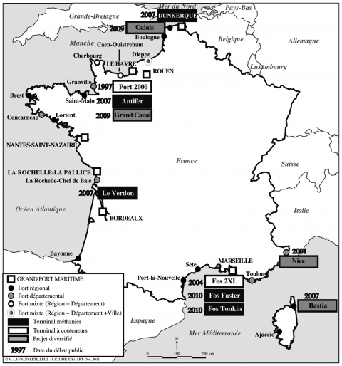 Location of the 11 French port projects submitted to public debate (1997-2010)