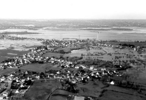 Photo 2 : Inondation du sud des marais de Brière le 17 mars 1995 (pic de crue 1,39 m NGF Lall le 25 février 1995)Flooding of the southern Brière wetlands on 17th March 1995 (flood peak 1.39 m. NGF Lall on 25.2.1995)