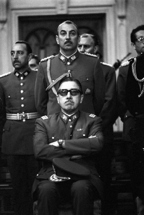 """Lo agarraron!"""" Representaciones del arresto de Augusto Pinochet en Londres  y el despertar del exilio chileno en Europa (1998-2000)"""