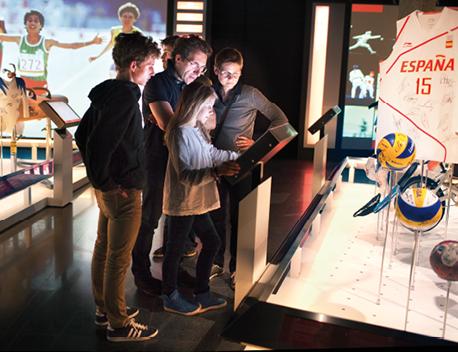 Au musée Olympique de Lausanne, l'écran LED Multitouch permet la consultation à plusieurs comme dans la partie de l'exposition permanente Les Temps forts.