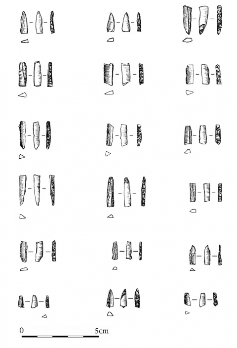 Figure 5 - Grotte des Camisards (Saint-Laurent-le-Minier, Gard). Industrie lithique, micro-pointes à dos.Figure 5 - Grotte des Camisards (Saint-Laurent-le-Minier, Gard). Lithic industry, micro-backed points.
