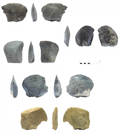 Figure 3 - Large flakes of the hearth k from the Observatoire Cave and general overview of the types of limestones exploited.