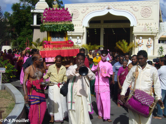 Overseas Temples and Tamil Migratory Space