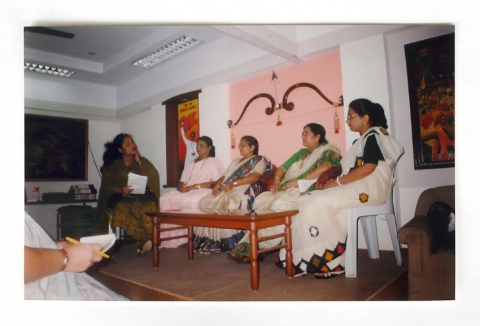 Fig. 1a. Mahila Aghadi meeting at the Shiv Sena party offices, 2000.