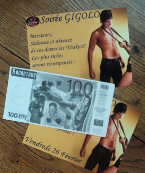 Photographie n° 5 : Flyers et billet factice